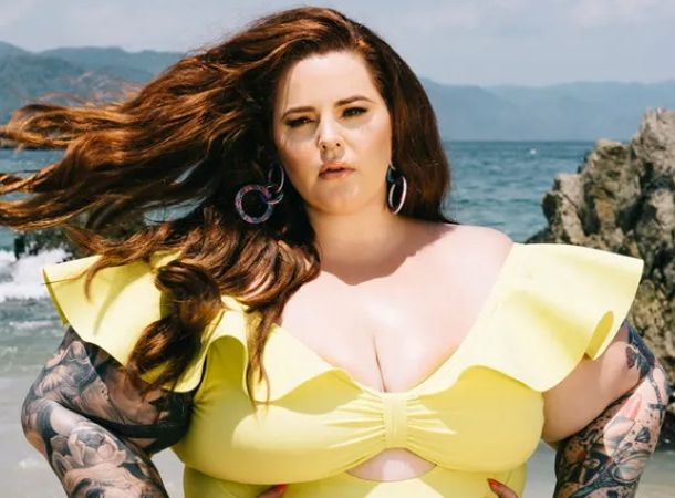 Модель plus-size Тесс Холлидей объявила о разводе с мужем