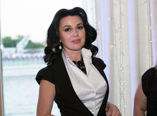 Состояние здоровья онкобольной Анастасии Заворотнюк снова ухудшилось
