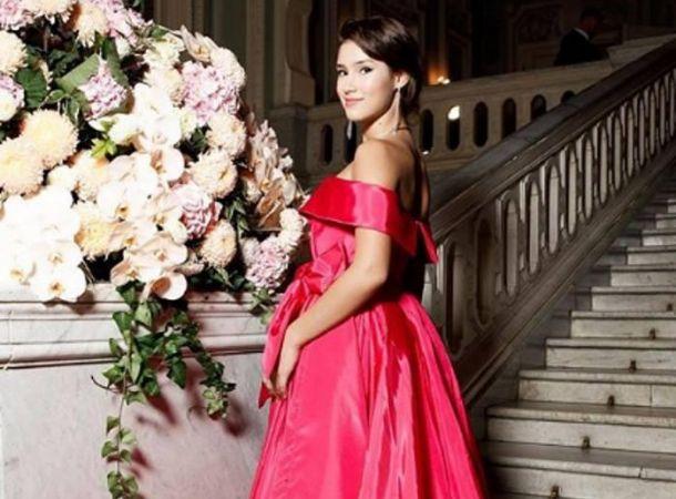 Екатерина Одинцова опубликовала фото со свадьбы 18-летней дочери от Немцова