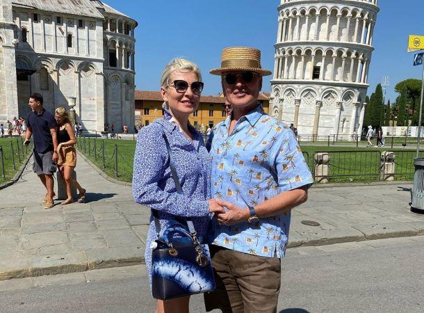 58-летняя Эмма Малинина похвалилась идеальной фигурой в бикини