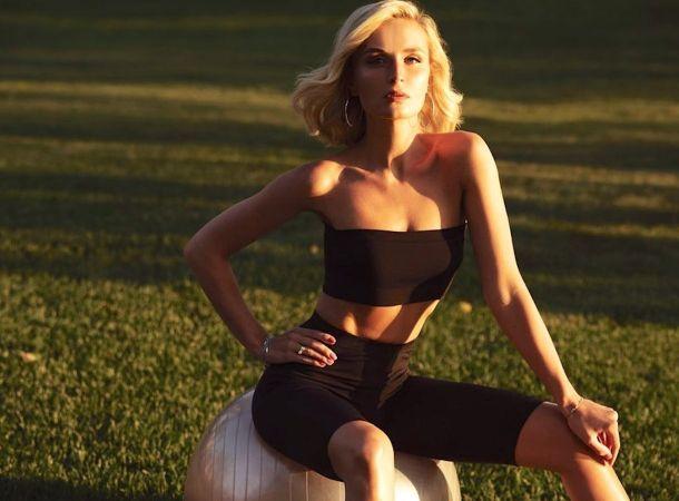 Полина Гагарина блеснула рельефным телом в раздельном бикини