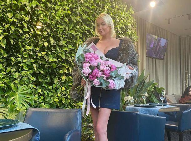 Анастасия Волочкова отправилась в свадебное путешествие перед свадьбой