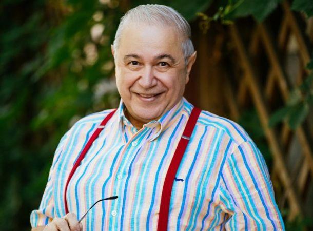 74-летний Евгений Петросян помолодел и преобразился благодаря молодой жене