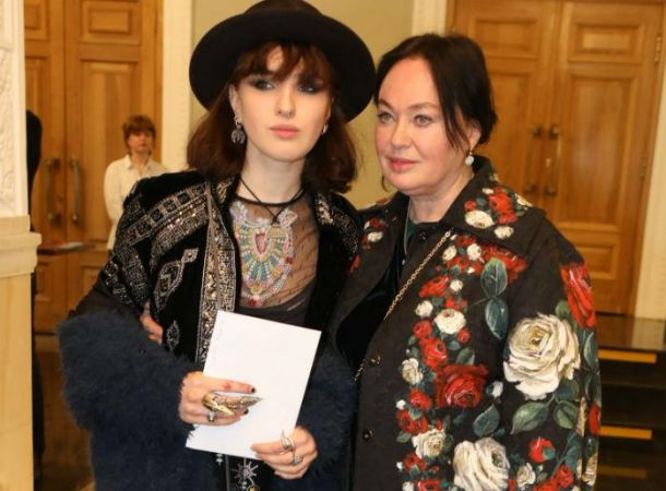 Лариса Гузеева отчитала взрослую дочь на свадьбе Юлии Зиминой