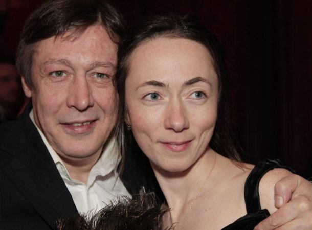 Софья Кругликова призналась, что много лет подозревала Ефремова в изменах