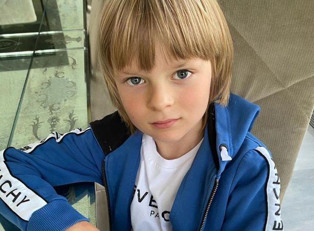 Сын Рудковской и Плющенко показал тяжелые тренировки в зале