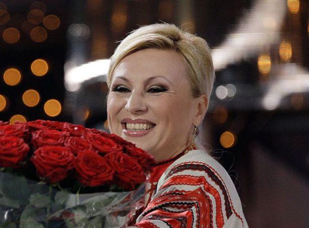 Директор Валентины Легкоступовой оправдался за скандал на прощании с певицей