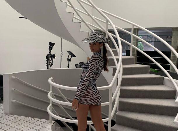 Эмили Ратаковски показала «горячее» фото без нижнего белья