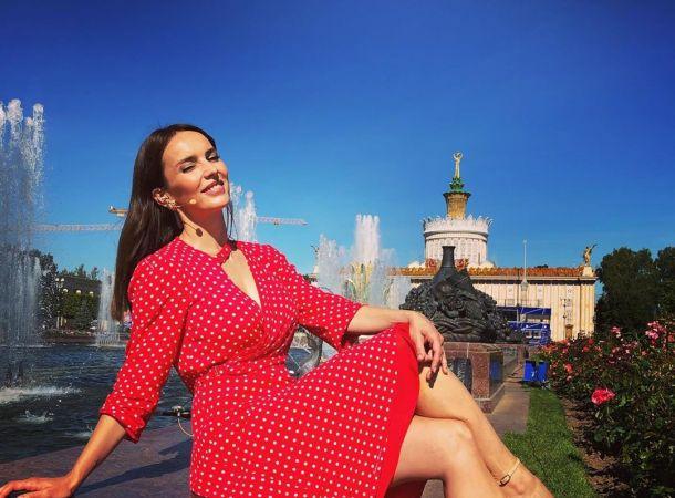 Юлия Зимина показала подросшую красавицу-дочь на собственной свадьбе