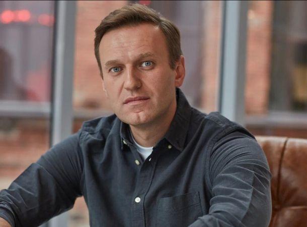 """Немецкие медики назвали состояние Алексея Навального """"стабильно тяжелым"""""""