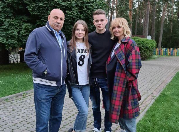 Иосиф Пригожин снял на видео рыдающую на свадьбе сына Валерию