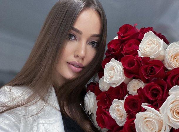 Анастасия Костенко появилась на свадьбе сестры без Дмитрия Тарасова