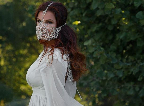 Эвелина Бледанс призналась, что оставляла мужчинам все имущество после расставания