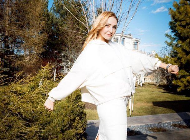 Татьяна Навка показалась в полный рост после слухов о беременности