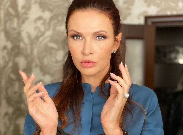 Эвелина Бледанс наблюдается в онкоцентре
