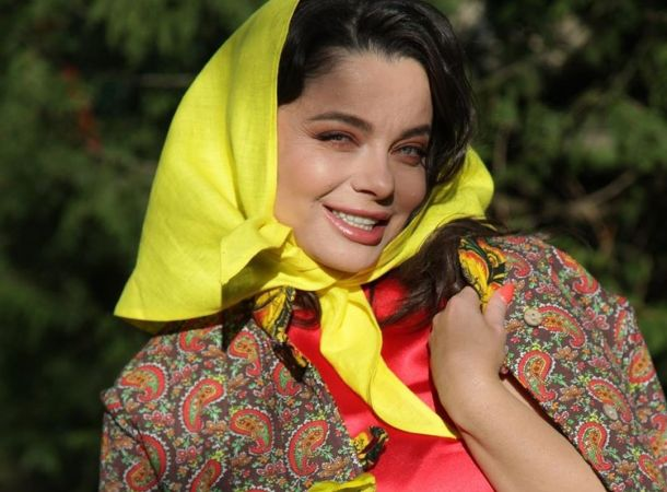 Фанаты Наташи Королевой считают, что Тарзан опозорил жену