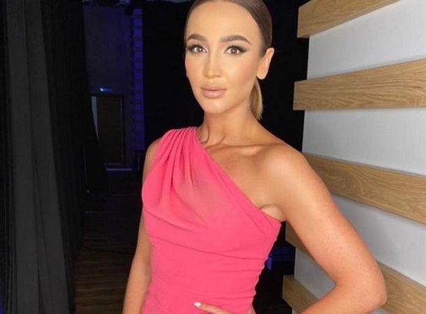 Ольга Бузова появилась на публике одна после слухов о расставании с Давой