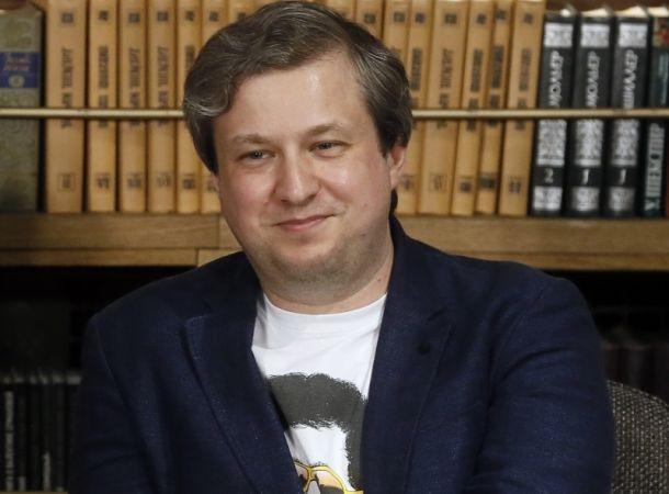 Антон Долин решил прекратить сотрудничество с Иваном Ургантом