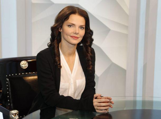Елизавета Боярская в винтажном наряде открыла театральный сезон