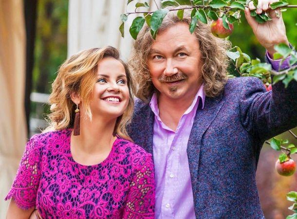 Юлия Проскурякова и Игорь Николаев отмечают юбилейную годовщину