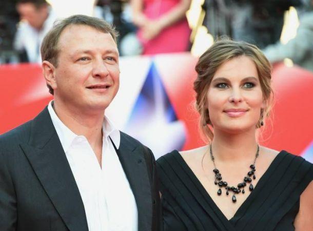 Бывшая супруга Марата Башарова заявила, что не живет с ним под одной крышей