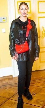 Полину Диброву без косметики сочли за девочку-подростка