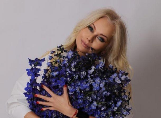 Похорошевшая Елена Корикова объявилась после нескольких месяцев молчания