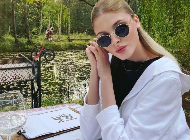 Алена Шишкова объяснила, почему никогда не отдыхает с дочкой от Тимати