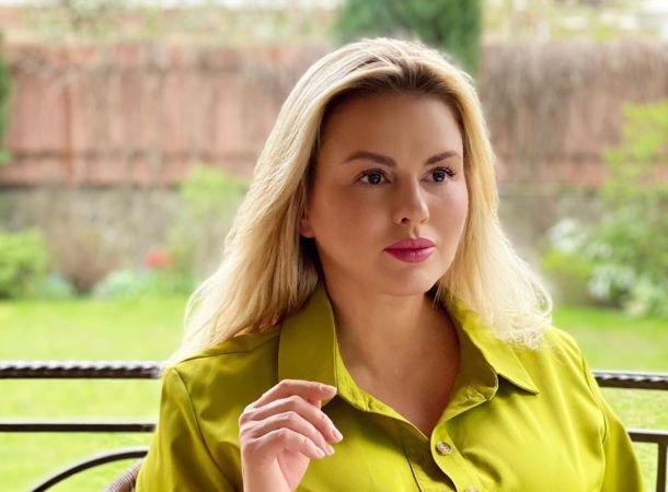 Анна Семенович заболела коронавирусом