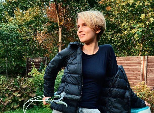 Дважды мама Дарья Мельникова показала безупречную фигуру в купальнике