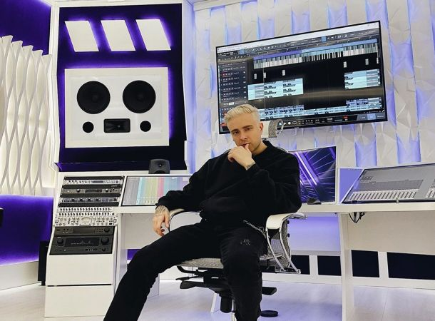 Егор Крид потроллил Тимати за участие в шоу «Холостяк»