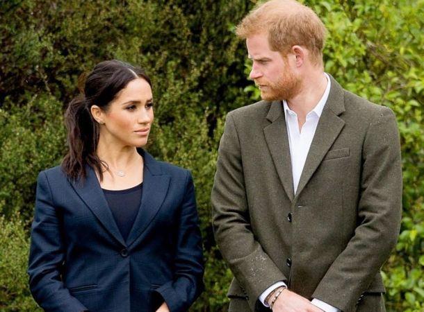 Принц Гарри прилетит на встречу с королевой без Меган Маркл