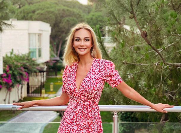 Виктория Лопырева трогательно поздравила Николая Баскова