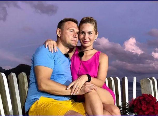 Степан Меньщиков с женой покинули проект «Дом-2»