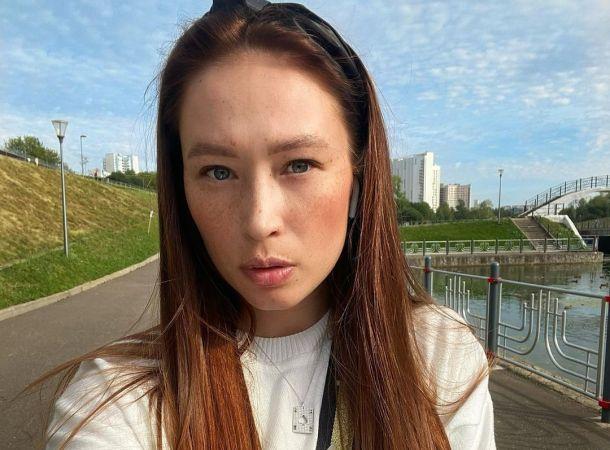 Невеста тренера Полины Гагариной рассказала, как узнала о его романе с Алексой