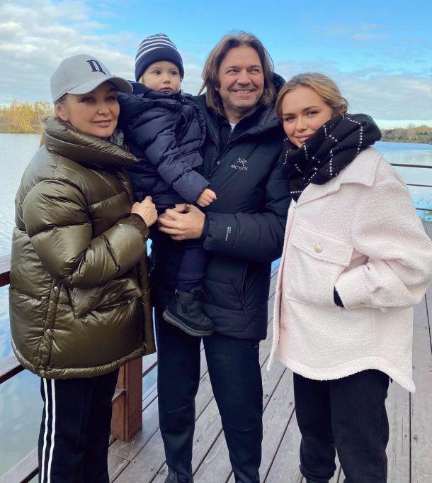 Стеша Маликова продемонстрировала трогательную семейную идиллию
