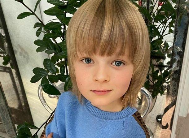 Саша Плющенко рассказал, как поздравил брата с первым месяцем жизни