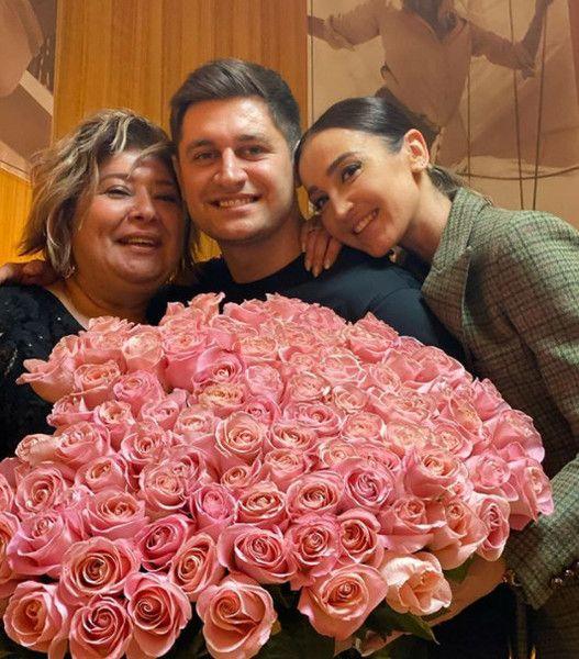 Ольга Бузова не поскупилась на подарки для мамы Давы