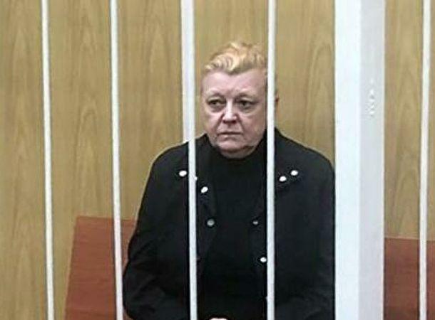 Наталья Дрожжина, подозреваемая в махинациях с наследством Алексея Баталова, сообщила об избиении