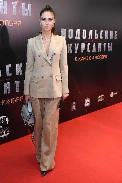 Агата Муцениеце появилась на премьере фильма в гордом одиночестве