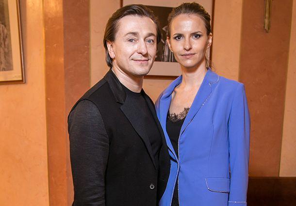 Сергей Безруков рассказал, почему не выходит с женой на публику