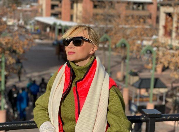 Кристина Орбакайте засветила шикарное колье на шоу Галкина