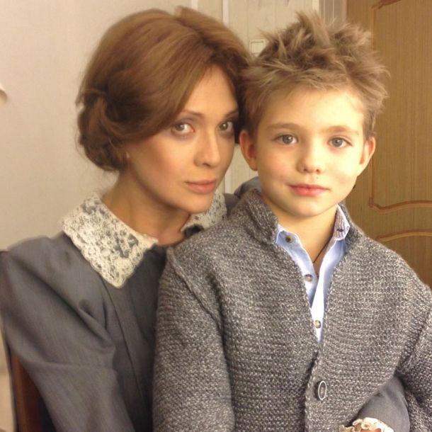 Дмитрий Певцов показал красавицу-жену с маленьким сыном