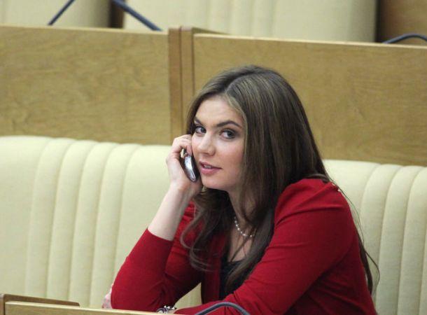 """Россияне отреагировали на """"вторые роды"""" Алины Кабаевой без восторга"""