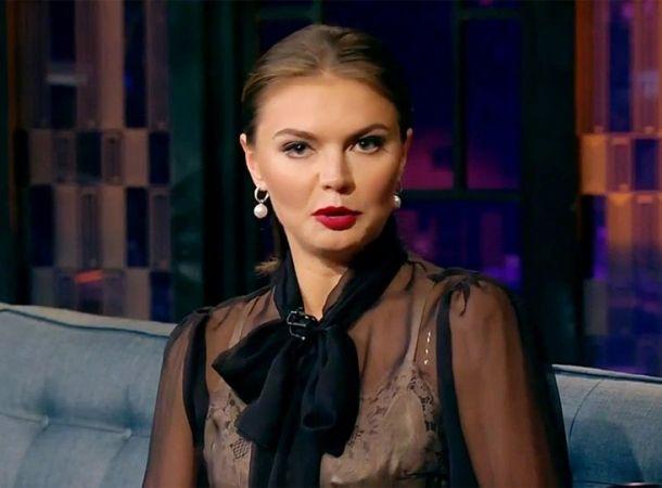 Фанаты Алины Кабаевой восхищаются ее формами