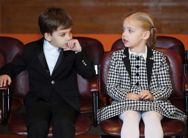 Дети Максима Галкина и Аллы Пугачевой трогательно признались в любви родителям
