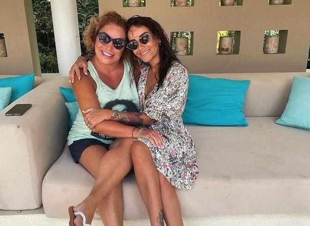 Айза Долматова рассказала об отношениях с мамой Тимати