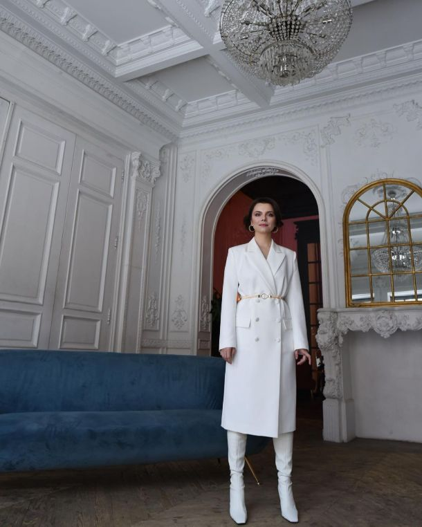 Татьяна Брухунова в элегантном белом образе покорила поклонников