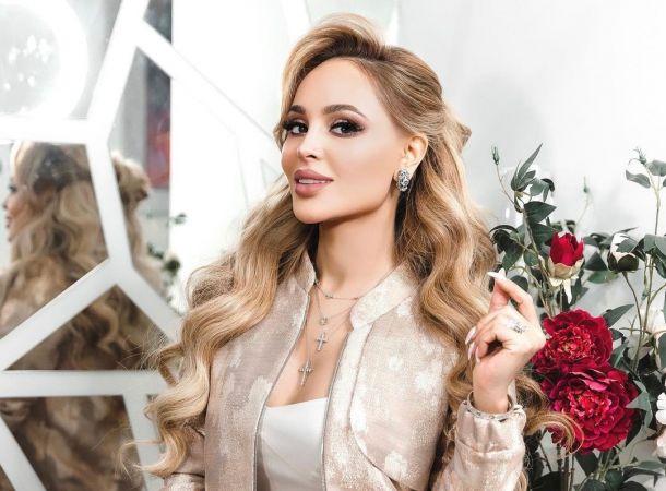 Анна Калашникова назвала Александру Куцевол фанаткой Олега Яковлева