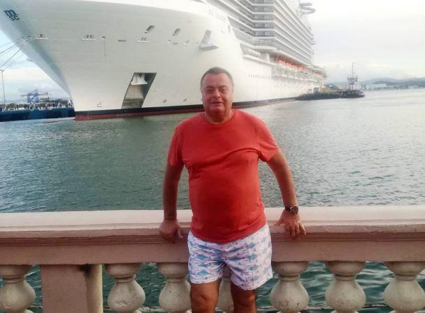 Отец Жанны Фриске отдал больше двух миллионов за новый внедорожник